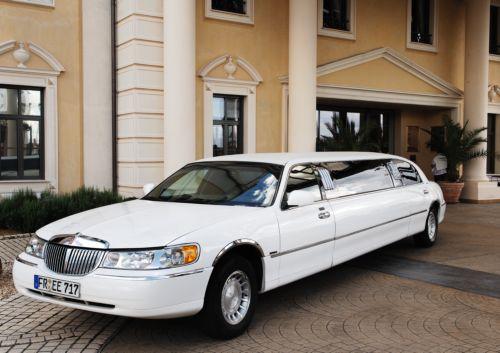 luxuslimousine limousine mieten luxuslimousine mieten. Black Bedroom Furniture Sets. Home Design Ideas