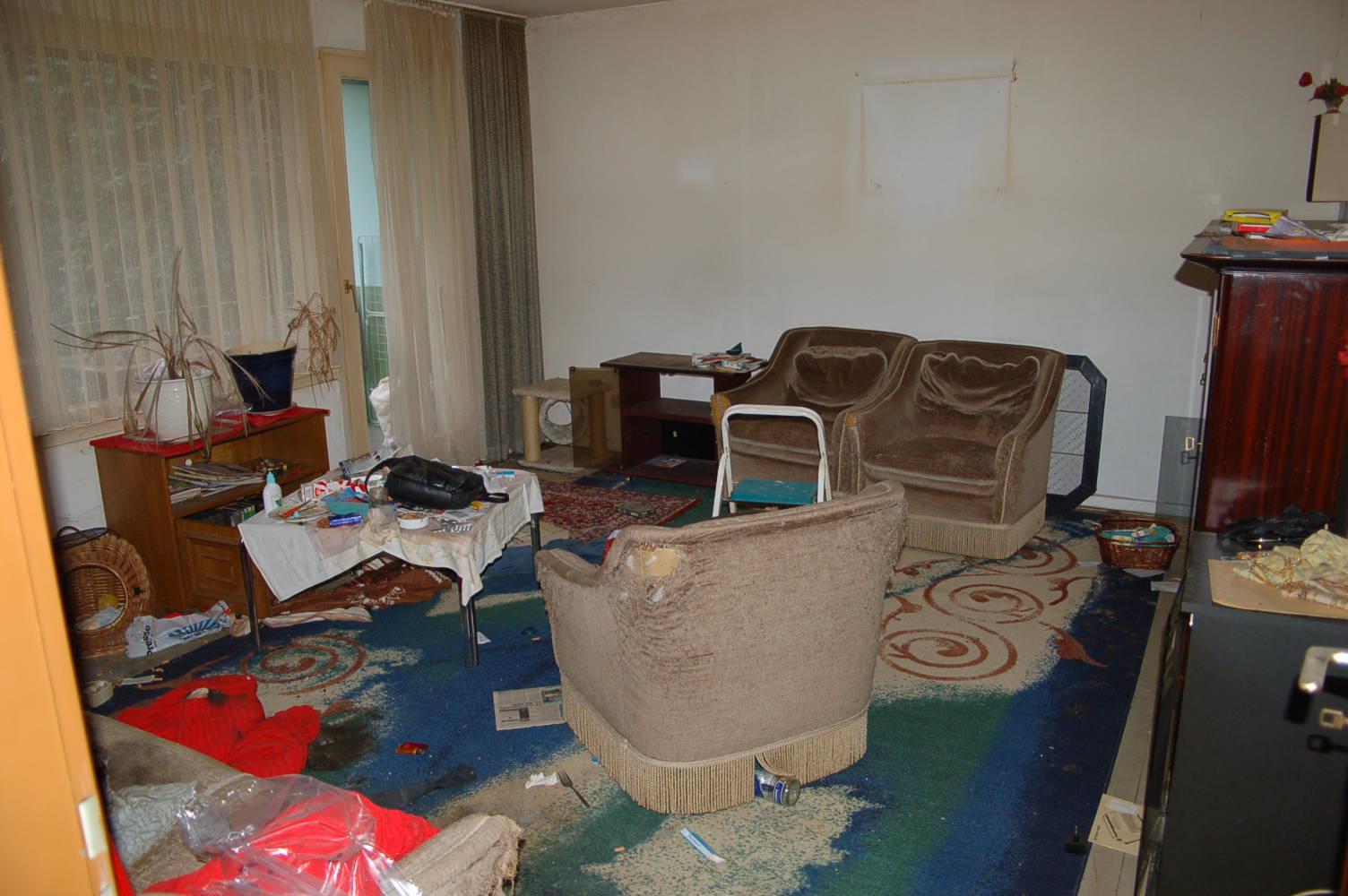 entruempelungen und messie wohnungen ausraeumen in 40627. Black Bedroom Furniture Sets. Home Design Ideas